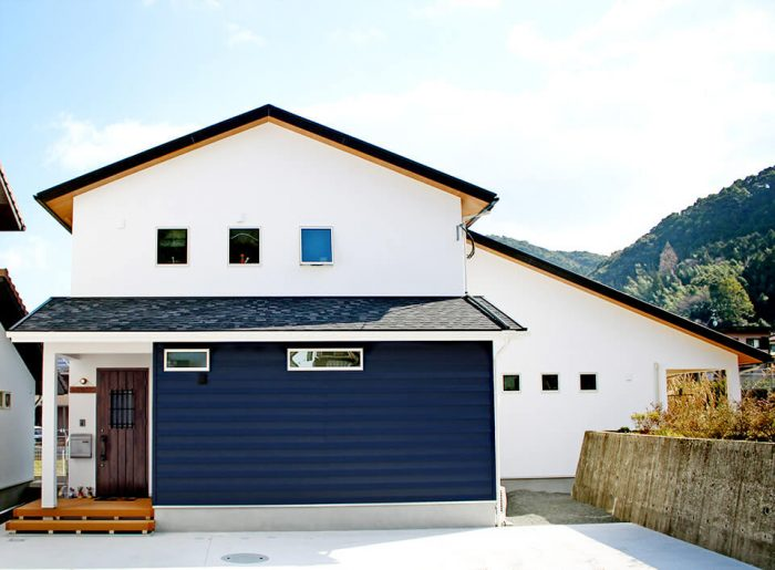 大屋根のデザインが印象的 諫早市S様邸