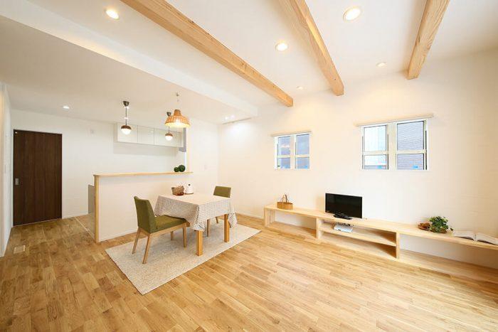 長崎市 夫婦の愛情がこもった自然素材の家