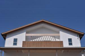 西海岸風の2世帯の家 外観