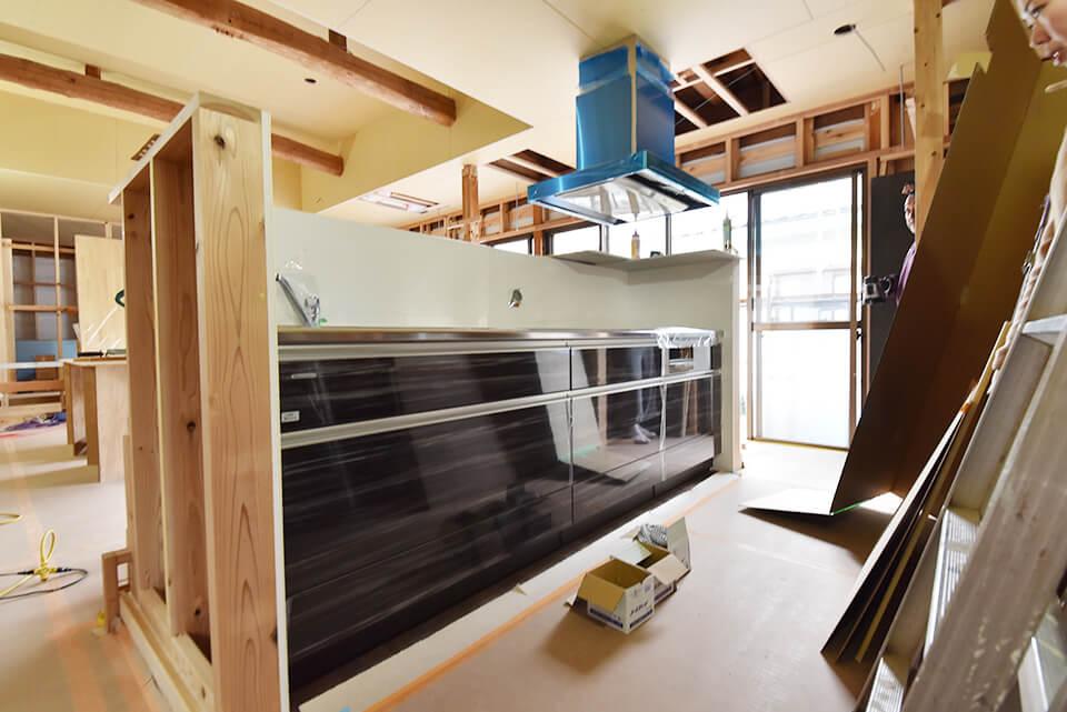 諌早市リノベモデル完成まで第9話 キッチン搬入、素敵な棚など